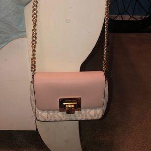 Micheal Kors cross body purse